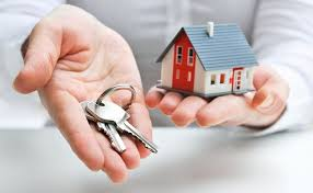 handing over keys for home - Green Residential - Houston Property Management